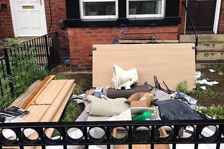 Rubbish-Removal-Doncaster-front-garden